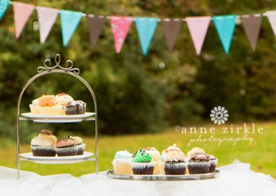 photo-of-custom-cupcakes